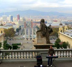DJ y Plaza Espanya - Barcelona, NOV 2014.
