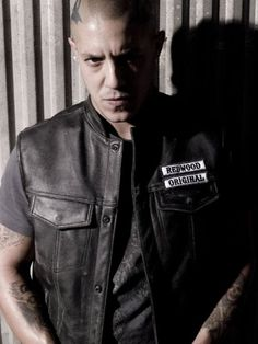 theo_rossi-sons_of_anarchy_season_6-2