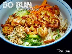 The Big Diabetes Lie- Recipes-Diet - Bo bun vietnamien aux crevettes - Tm Bun - Doctors at the International Council for Truth in Medicine are revealing the truth about diabetes that has been suppressed for over 21 years. Vietnamese Recipes, Asian Recipes, Healthy Recipes, Ethnic Recipes, Szechuan Shrimp Recipe, Korean Sweet Potato Noodles, Bo Bun, Asian Kitchen, Exotic Food