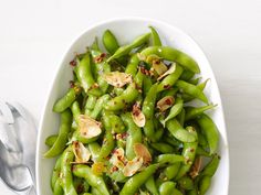 Chile-Garlic Edamame : Add a punch of flavor to high-protein edamame with garlic, pepper flakes and lime juice.