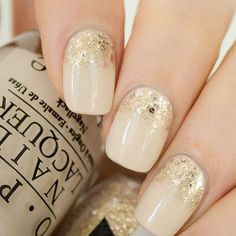 Beige and cold seem to be a perfect match! Fairynails