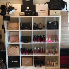 Bedroom ideas, quite super breath-taking room decor. Read this bedroom decor ref 4858774723 right now. Handbag Storage, Handbag Organization, Home Organization, Handbag Display, Chanel Bedroom, Bag Closet, Glam Room, Dream Closets, Closet Designs