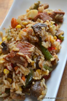 orez pilaf carne legume (27) Romanian Food, Fried Rice, Carne, Food And Drink, Cooking Recipes, Tasty, Lunch, Meat, Dinner