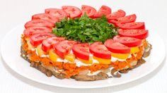 Слоеный салат из баклажанов и помидоров