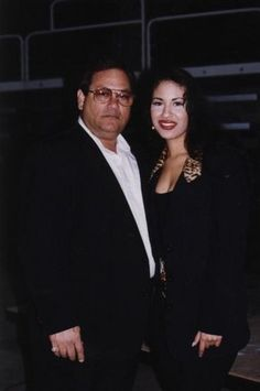 Selena Quintanilla Perez, Selena And Chris, Selena Selena, Selena Pictures, Selena Pics, Father Abraham, Mexican American, Cute Celebrities, Celebs