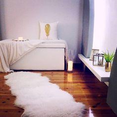 """30 """"Μου αρέσει!"""", 1 σχόλια - Minimalist Deco by """"Ana"""" (@interiorbyana) στο Instagram: """"#white #livingroom #livingroomdecor #homedecor #interiordesignideas #interiordesign #decoration…"""""""