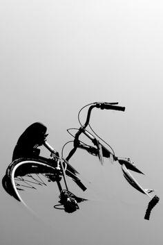 Bicycle bike cycle sykkel bicicleta vélo bicicletta rad racer wheels illustration posters graphics design biking ride cycling riding photograph water
