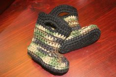 Crochet Baby camouflage wellies- a reason for me to learn how to crochet
