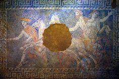 Anfiopolis - La diosa Perséfone hija de Demeter, madre de la agricultura y asociada con la naturaleza y la tierra vivía alejada del resto de las deidades, apartada por su madre que no quería pa