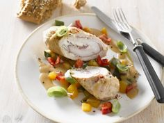 Probieren Sie die leckeren Putenrouladen mit Gemüse von Eat Smarter oder eines unserer anderen gesunden Rezepte!