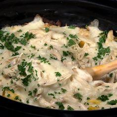 Crockpot Chicken Healthy, Crockpot Dishes, Healthy Crockpot Recipes, Chicken Recipes, Easy Crockpot Chicken Alfredo Recipe, Casserole Recipes Crockpot, Crock Pot Pasta, Keto Recipes, Dinner Recipes
