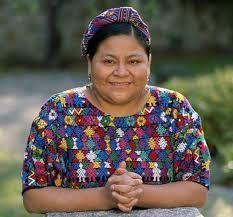 Rigoberta Menchú Tum es una líder indígena guatemalteca, miembro del grupo maya quiché, defensora de los derechos humanos; embajadora de buena voluntad de la UNESCO y ganadora del Premio Nobel de la Paz en 1992