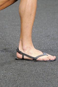 louis-vuitton-spring-summer-2010-footwear-4.jpg (320×480)