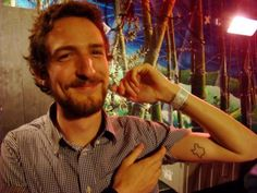 Frank Turner with his Texas state outline tattoo, I could match frank turner! Don Mclean, Texas Tattoos, State Outline, Will Turner, Good People, Rebel, Tatting, Body Art, Piercings