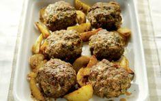 Μπιφτέκια στο φούρνο με πατάτες - iCookGreek
