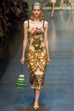 Milan Fashion Week: Dolce & Gabbana Spring / Summer 2013 Ready-to-Wear loooove this Couture Mode, Couture Fashion, Runway Fashion, Love Fashion, High Fashion, Fashion Design, Milan Fashion, Dolce & Gabbana, Mode Crochet