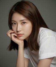 공승연 Seung Yeon [MKIT RAIN] Gong Seung Yeon, Cute Hairstyles For Medium Hair, Medium Hair Styles, Pretty Asian, Beautiful Asian Women, Korean Beauty, Asian Beauty, Song Ji Eun, Korean Actresses