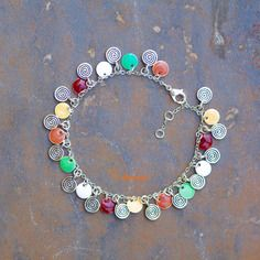 Chaine de cheville fantaisie argentée et multicolore