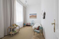 This contemporary Viennese abode stands as a testament to how sustainable interior design can actually work for modern family living. Modern Family, Home And Family, Decorating Blogs, Soft Furnishings, Grey And White, Architecture Design, Kids Room, Contemporary, Interior Design