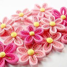 INSTA FLOWERS . #quilling #flowers #papercraft #hobby #crafting #paperflorals #paperflower #florals #paperartist #paperwork #quilled #paperquilling #filigrana #paperfiligree #rękodzieło #polskierękodzieło #papierowecuda #квілінг #квиллинг #종이감기공예 #종이감기 #paperart #makersgonnamake #handmade #handmadewithlove #handmadefinds #craftersofinstagram