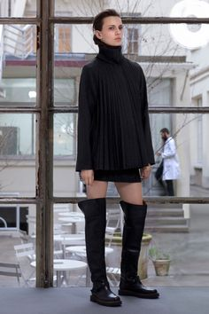 Maison Martin Margiela Pre-Fall 2013 - Review - Fashion Week - Runway, Fashion Shows and Collections - Vogue