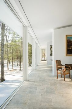 Maine architect Carol A Wilson has built a home in Batson River on the foundations of a ranch that used to occupy the site to avoid disturbing nearby trees Minimalist Architecture, Modern Architecture, American Houses, Dome House, Pink Houses, House Extensions, Interior Exterior, Autumn Home, Beautiful Space