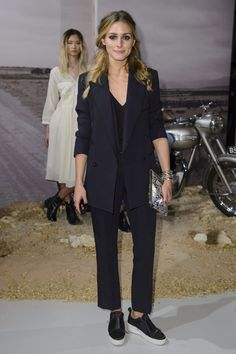 Suit & sneaks   Olivia Palermo                                                                                                                                                                                 Más