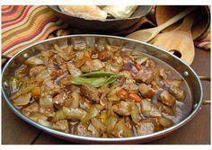 Trinchado Recipe by Francois_Porra Portuguese Bread, Beef Kabob Recipes, My Favorite Food, Favorite Recipes, Beef Kabobs, Angus Beef, Bread Rolls, Great Recipes, Good Food