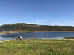 Ponoćno sunce na Nordkappu, najsjevernijoj točci Europe - Okusi.eu Kirkenes, Norway, Road Trip, Europe, Ocean, Beach, Outdoor, Outdoors, The Beach
