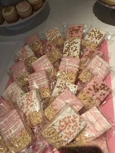 Baby girl shower desserts tutus ideas for 2019 Baby Shower Treats, Baby Girl Shower Themes, Baby Shower Desserts, Baby Shower Decorations For Boys, Baby Shower Princess, Baby Shower Cakes, Baby Shower Candy Table, Star Baby Showers, Gold Baby Showers