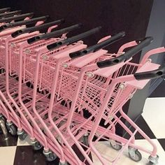 I want to go to the shop that uses PINK carts