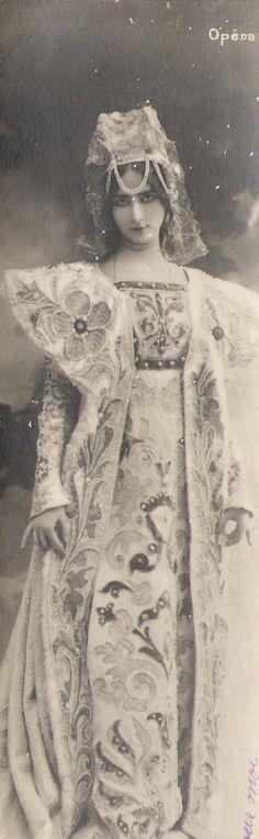 """""""Cléo de Mérode"""", in costume for the ballet 'Lorenza', 1901."""
