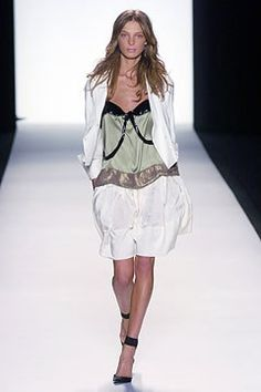 Chloé Spring 2005 Ready-to-Wear Fashion Show - Daria Werbowy
