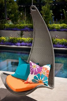 Swinging Outdoor Chair ♥ http://fab.com/sale/22238/product/328160/?fref=hardpin_type294=Pinterest_Hardpin