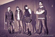 Cosma Nova, die Berliner Band um Sängerin Maya Nikolic und Songwriter/Produzent/Gitarrist Sascha Blach startete 2011 als Maya im Wunderland.