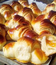 Greek Sweets, Recipe Boards, Breakfast Time, Hot Dog Buns, Donuts, Sausage, Food And Drink, Cooking Recipes, Favorite Recipes