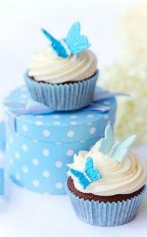 hellblaue Schmetterlinge als Cupcake-Dekoration zur Hochzeit / cupcakes for wedding