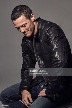 Actor Luke Evans is photographed on November 27 2012 in London England Fotografia de notícias | Getty Images