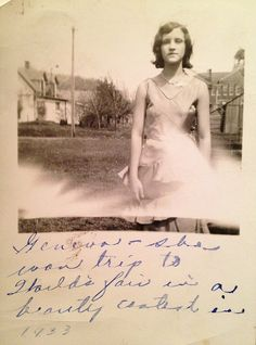 """Geneva the Beauty Queen / """"Geneva - she won trip to World's Fair in a beauty contest in Antique Photos, Vintage Pictures, Vintage Photographs, Vintage Images, Old Photos, Awkward Girl, Brown Betty, Beauty Contest, Best Portraits"""