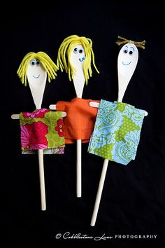 super cute wooden spoon puppets