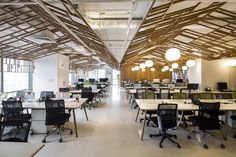 Completed in 2016 in Ho Chi Minh City, Vietnam. Images by Hiroyuki Oki. The tasks of this project is to conceive a working office for a multimedia company. Inspiration grew from the original image of a traditional...
