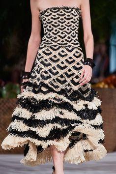 Oscar de la Renta Spring 2020 Ready-to-Wear Fashion Show Couture Mode, Style Couture, Couture Details, Fashion Details, Couture Fashion, Fashion Design, Party Fashion, Fashion 2020, Runway Fashion