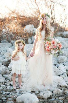 Country Boho Wedding Flowers. Beautiful bouquet and flower crowns #boho #wedding