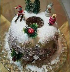 Μια συνταγη που αξίζει να δοκιμάσετε αφού η γεύση της κουβαλάει όλο το... μεράκι της Μικράς Ασίας Xmas Food, Christmas Sweets, Christmas Time, Christmas Bulbs, Vasilopita Cake, English Christmas, Greek Desserts, Christmas Preparation, Sweets Cake