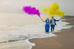 Check out these 20 Spring Colourful PreWedding Photoshoot Props. They are going to make you smile, giggle and most importantly fall in love. Pre Wedding Shoot Ideas, Pre Wedding Poses, Pre Wedding Photoshoot, Wedding Shot, Couple Photography, Photography Poses, Wedding Photography, Digital Photography, Couple Photoshoot Poses
