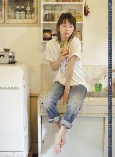 Amazon   山本舞香 2016年 カレンダー 壁掛け B3   トライエックス http://www.amazon.co.jp/dp/B014PECHKW/ref=cm_sw_r_tw_dp_j2c7wb17FYKA5 #山本舞香 #Maika_Yamamoto
