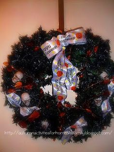 Last year I recycled a Christmas wreath and turned it into a festive Halloween wealth.  - See more at: http://autumnactivitiesforhomeandfamily.blogspot.com/search?updated-max=2011-09-09T00:40:00-06:00=3=18=false#sthash.Hhv3f7i0.dpuf Halloween Wreath by Sgolis
