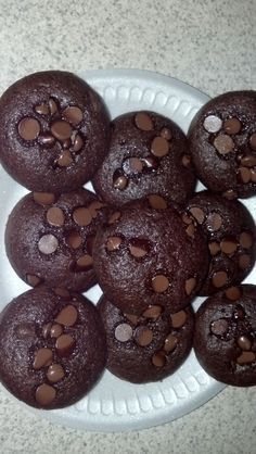 112 Calorie Cupcakes! MOIST AND NO FROSTING NEEDED! Use 1 box of Pillsbury Sugar Free Devils Food Cake Mix. Substitute 3/4 c. oil with 3/4 c. applesauce. Substitute 3 whole eggs with 6 egg whites. Mix well. Put 1/4 c. batter in each muffin tin. Place 10 milk chocolate morsels on top. Bake for 18 minutes on 350.