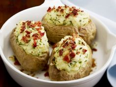 Baked Potatoes with Bacon and Chives - Tesco Real Food - Tesco Real Food Baked Potato Toppings, Baked Potato Recipes, Bacon Recipes, Roast Recipes, Tesco Real Food, Real Food Recipes, Yummy Food, Healthy Recipes, Creamed Potatoes