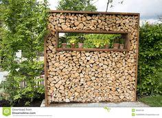 Brandhoutrek - Downloaden van meer dan 43 Miljoen hoge kwaliteit stock foto's, Beelden, Vectoren. Schrijf vandaag GRATIS in. Afbeelding: 40569148